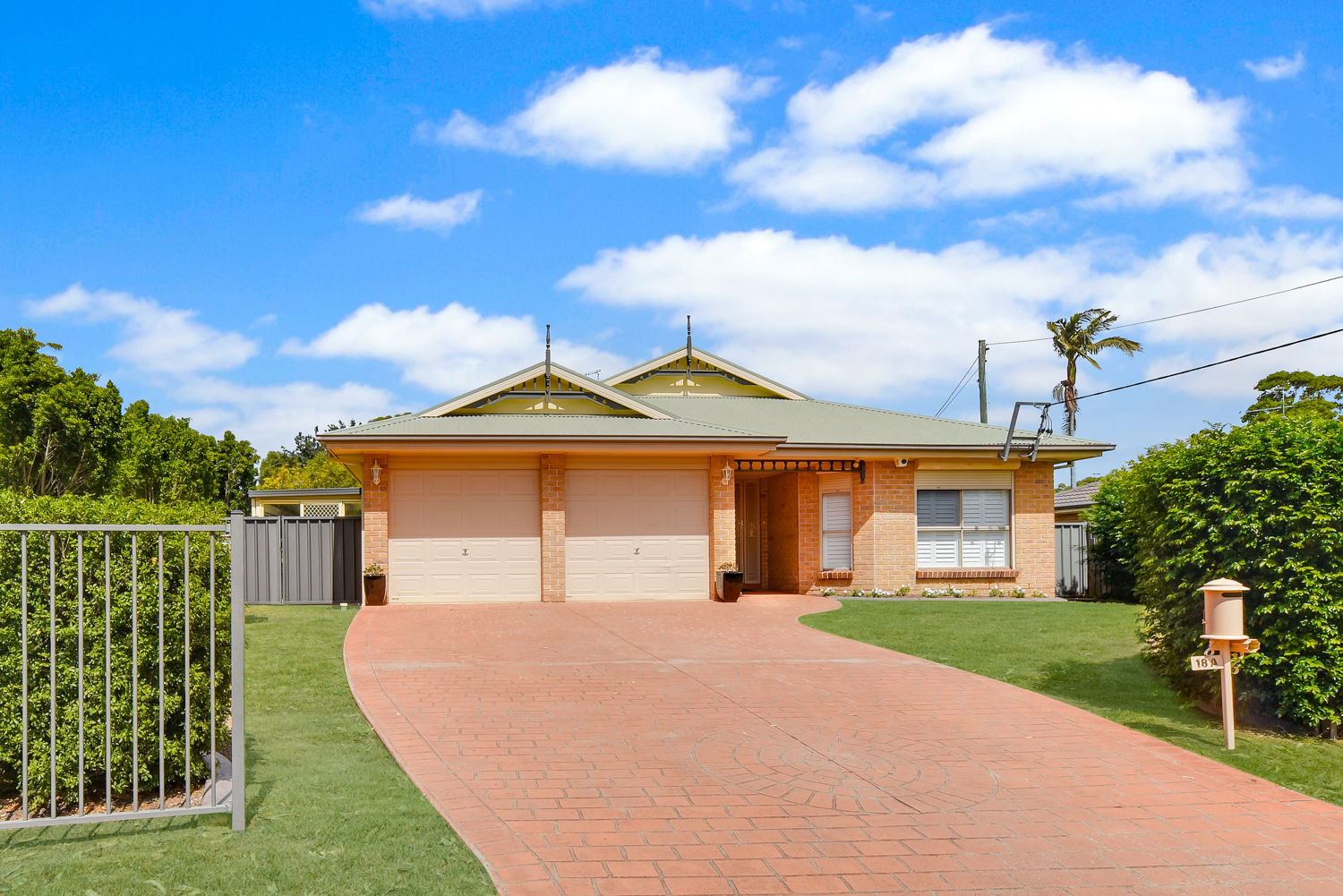 FOR SALE NOW $859,000 - $899,000 OR AUCTION 12TH MARCH 2019