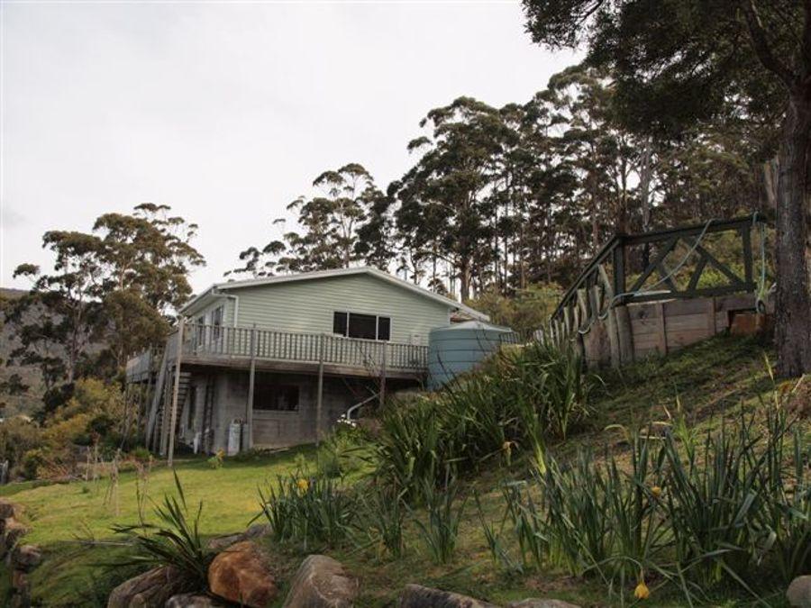 Real Estate in Eaglehawk Neck