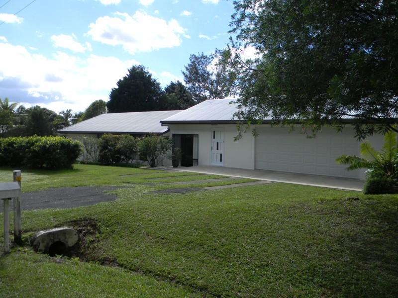 21 Hilltop Crescent, Maleny, QLD 4552