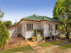 Property in Holland Park - Sold for $581,000