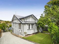 Property in Holland Park - Sold for $855,000