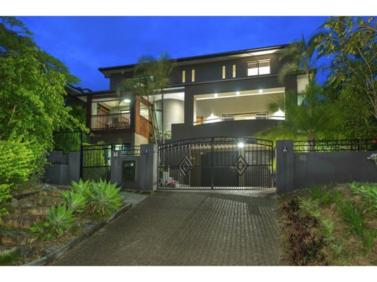 Property For Sale in Taringa