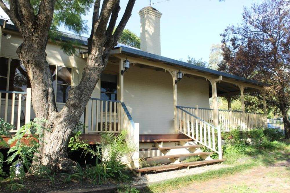 44 MURRAY ST, Tamworth East -  Purchaser