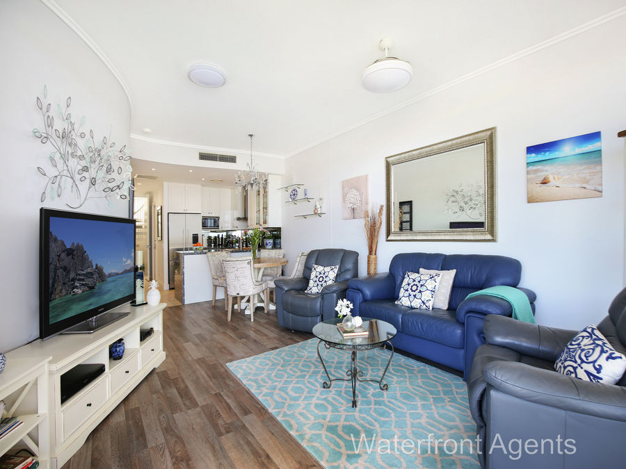 414 'Bluewater Point' 13 Nicklin Way, Minyama