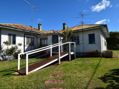 Property in Newtown - $145 Weekly