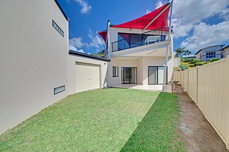 Real Estate in Meikleville Hill