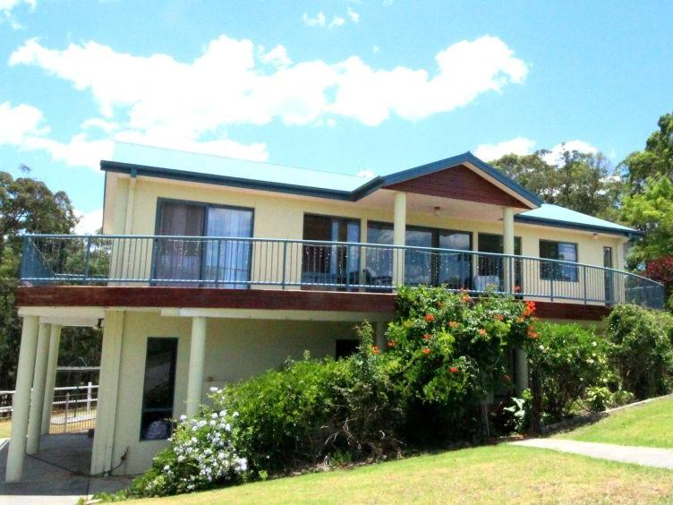 5 Bombora Place., Hallidays Point, NSW 2430