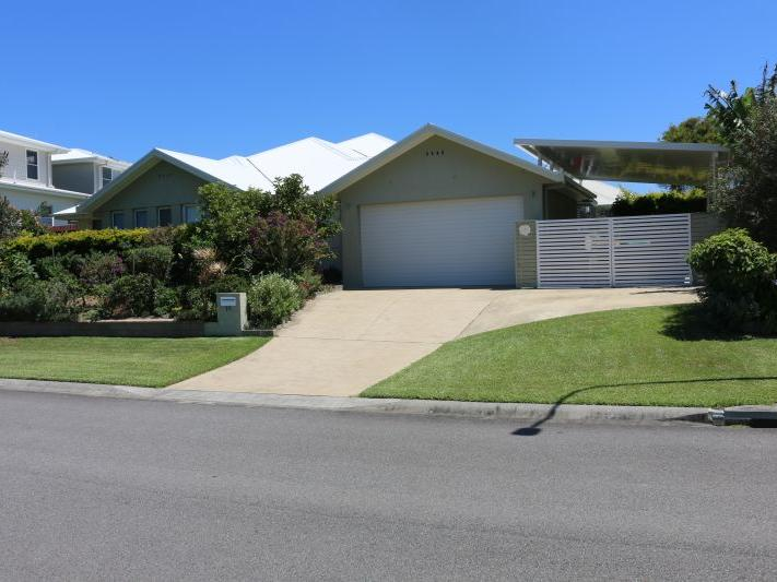 15 Torquay Circuit, Red Head, NSW 2430
