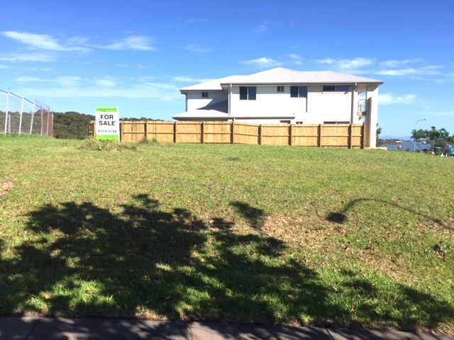 2 Torquay Circuit, Red Head, NSW 2430