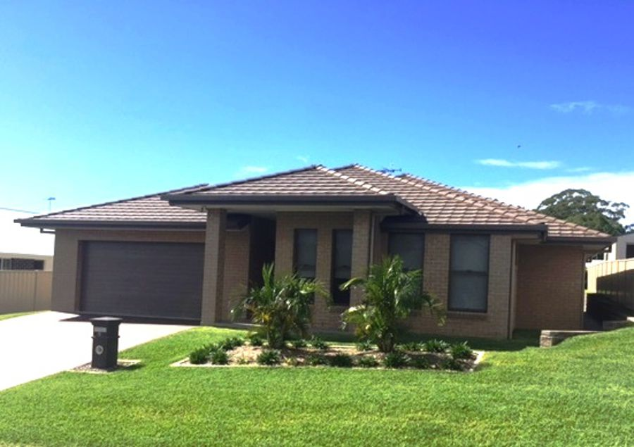 9 Meadows Close, Black Head, NSW 2430