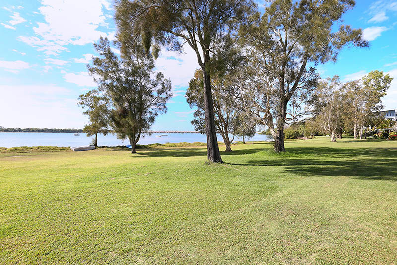 Property in Sandstone Point - Offers over $549,000