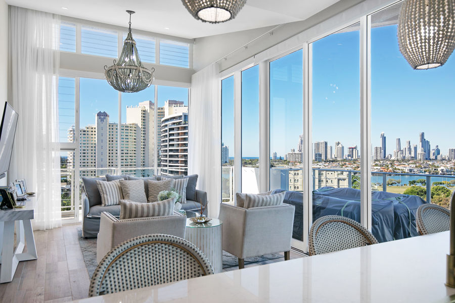 STUNNING THREE BEDROOM APARTMENT WITH VIEWS
