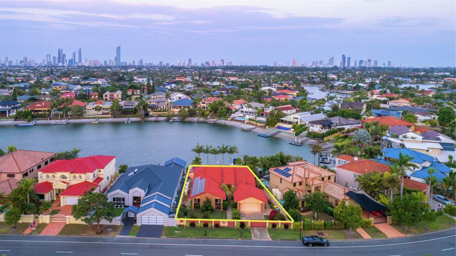 74 EDINBURGH ROAD, Benowa Waters, QLD 4217