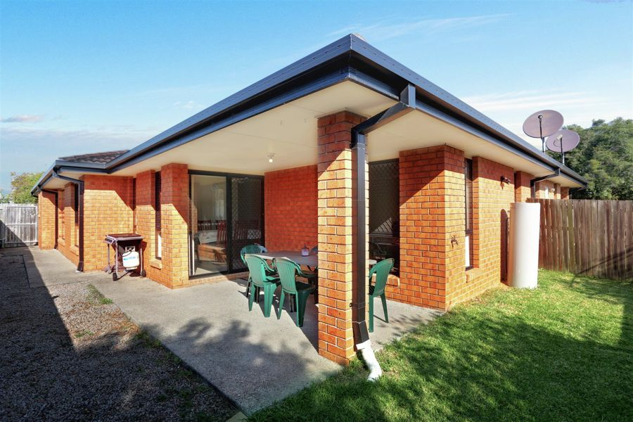 Property in Rothwell - 690000 For Both!