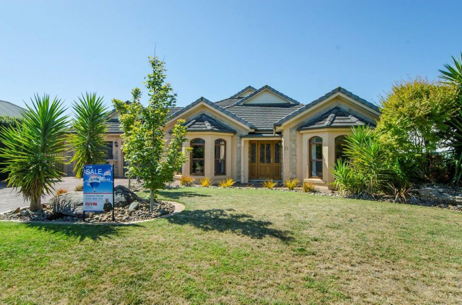Property For Sale in Mount Gambier