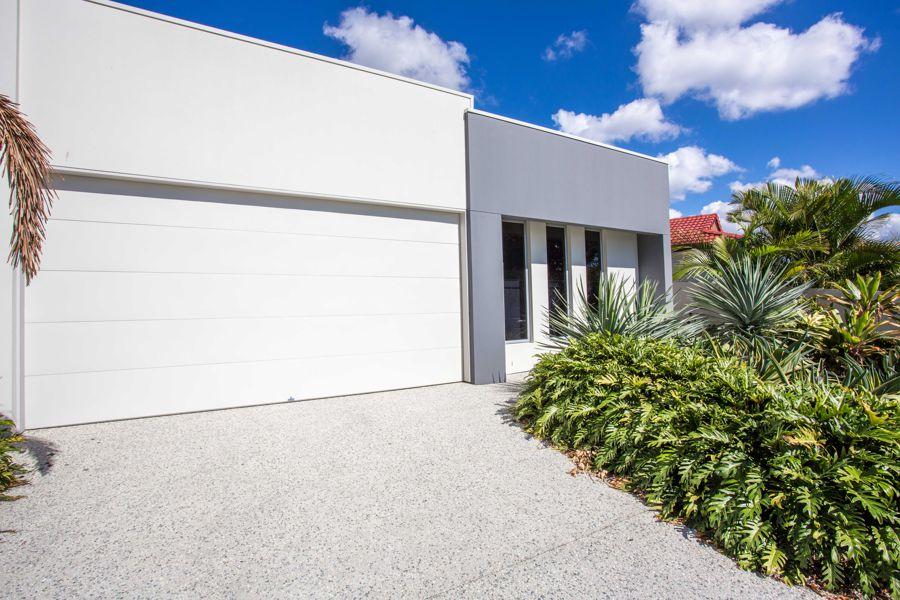 2/20 Compass Drive, Biggera Waters, QLD 4216