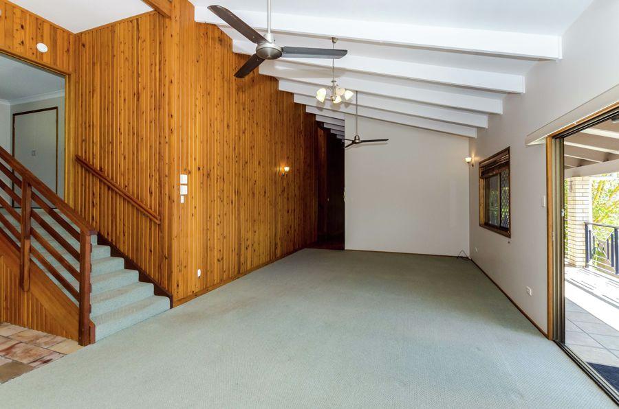 Real Estate in Kin Kora