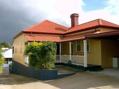 Property in West End - Rooms from $235 Weekly