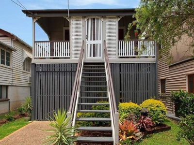 Property in Greenslopes - Rooms from $180 Weekly