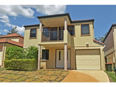 Property in Holland Park West - Sold for $685,000