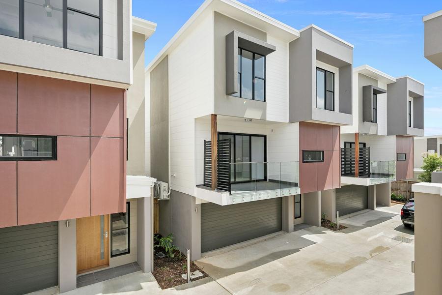 Property in Carina - $590 pwk