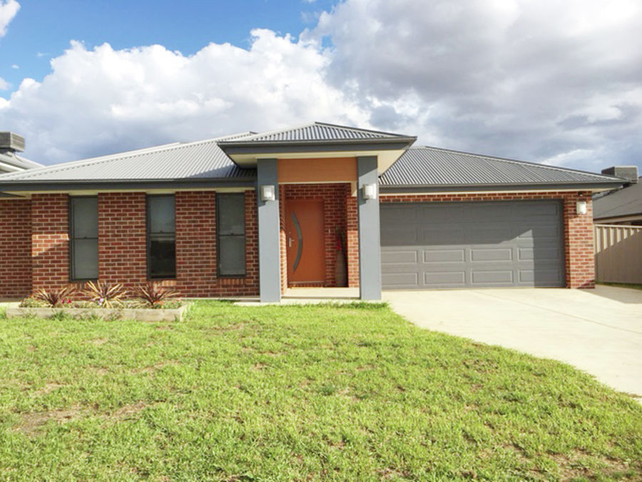 Property in Boorooma - Leased