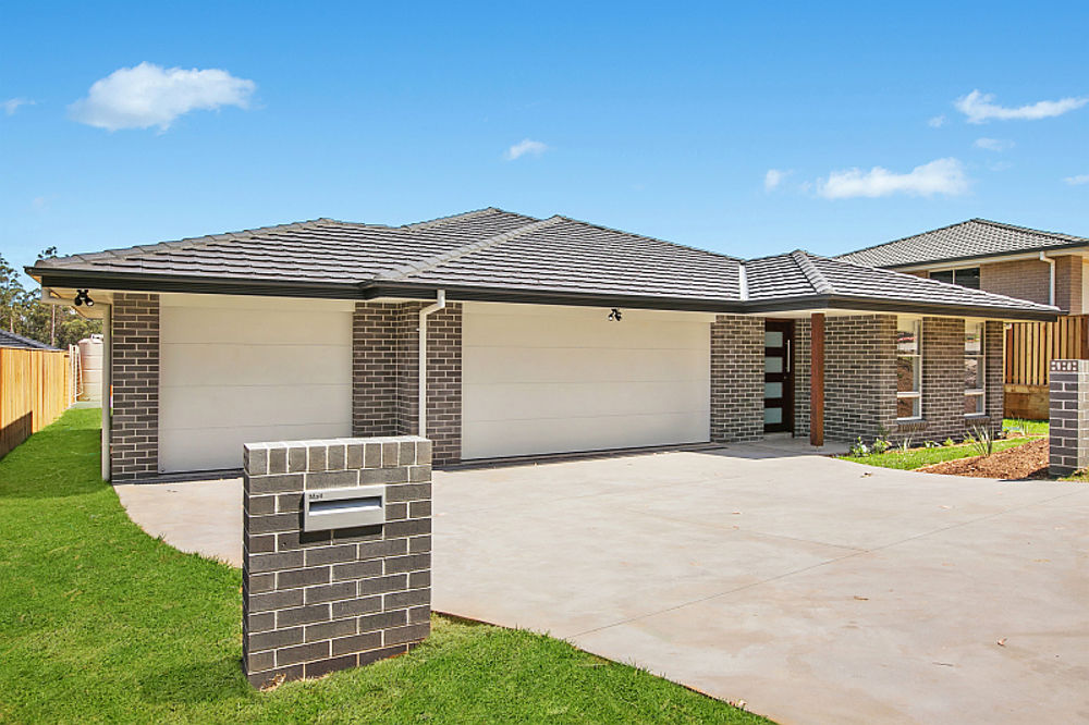 AS NEW DUAL INCOME HOME - STYLISH DESIGN