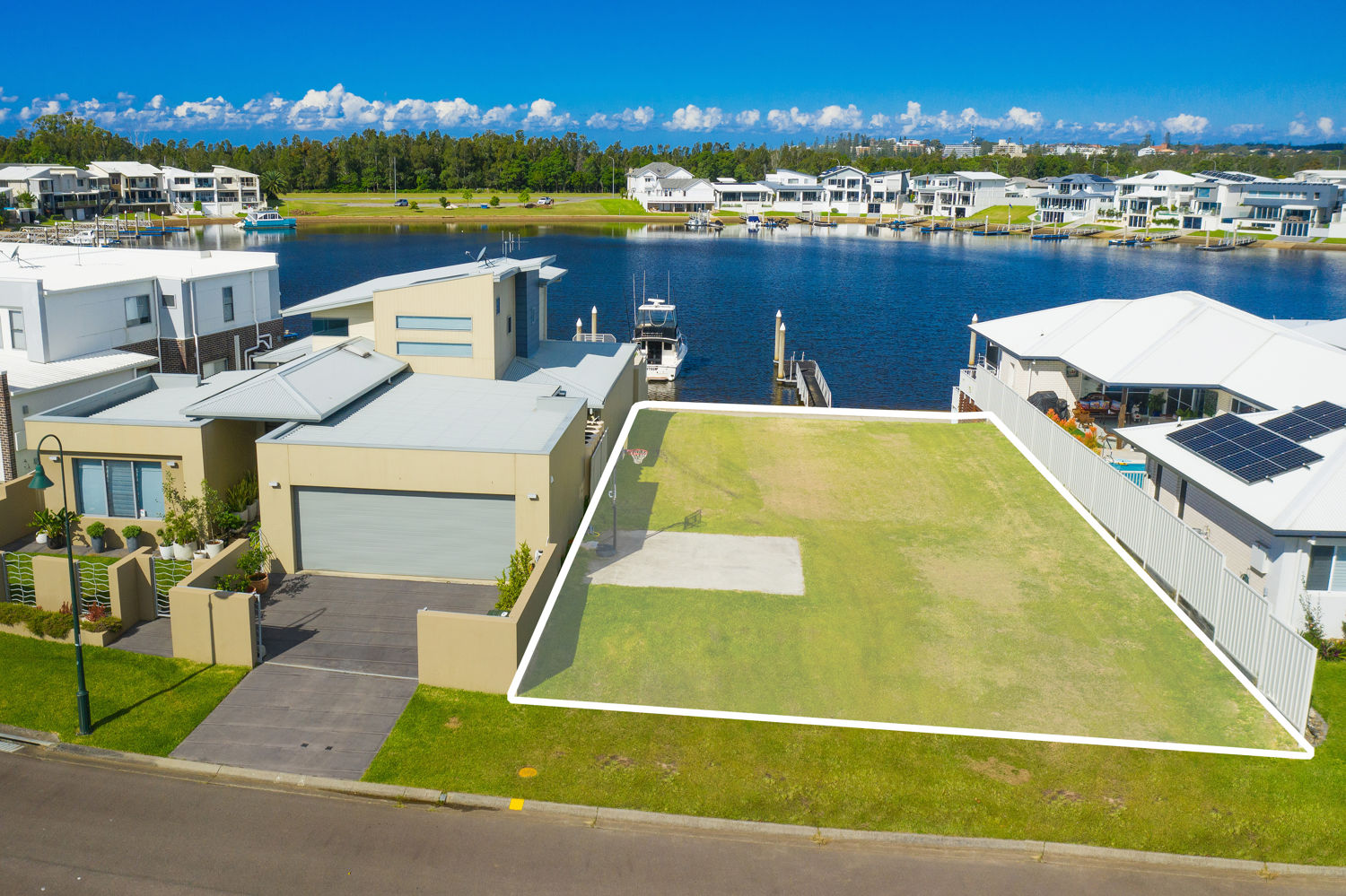 RARE OPPORTUNITY TO SECURE WATERFRONT VACANT BLOCK