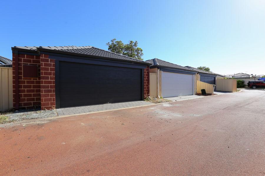 Real Estate in Lakelands