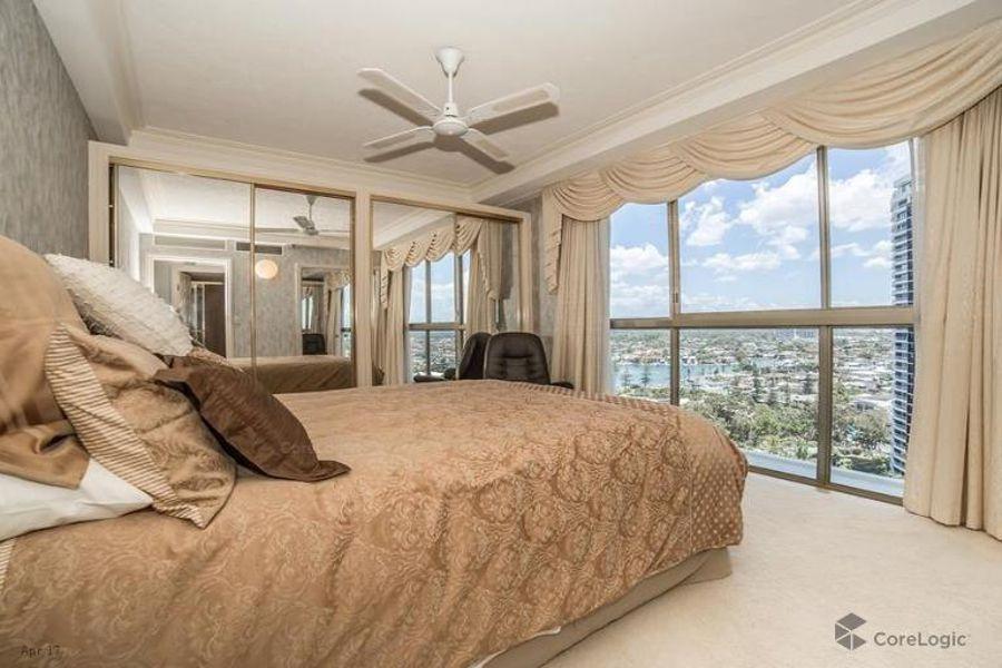 Real Estate in Runaway Bay