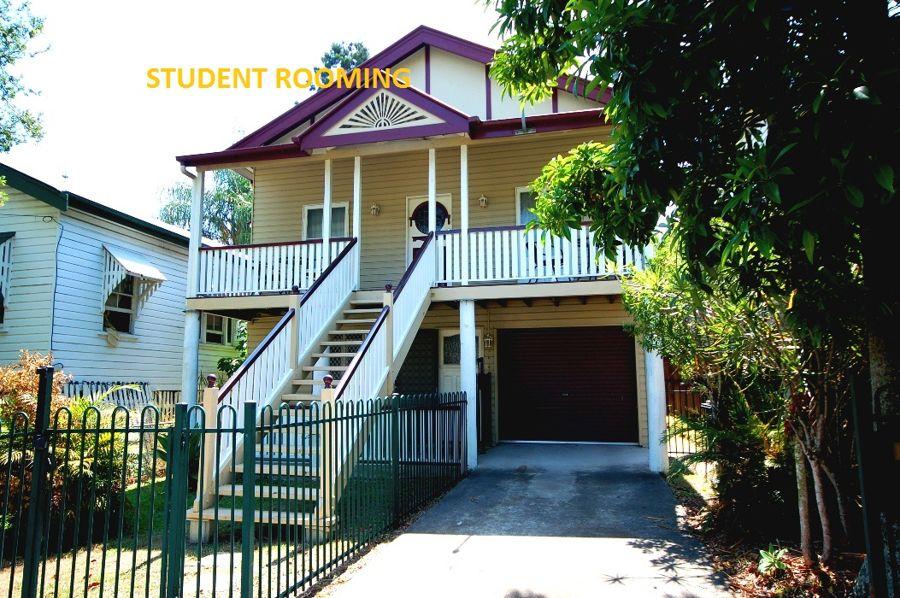 Property in Kangaroo Point - $160 Weekly