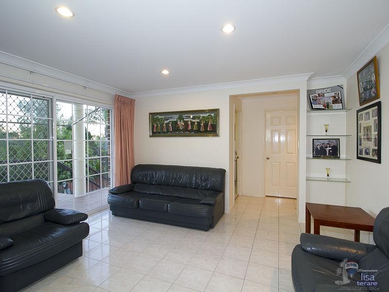 Real Estate in Mount Ommaney