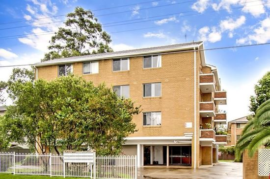2 BEDROOM UNIT IN THE HEART OF KINGSWOOD