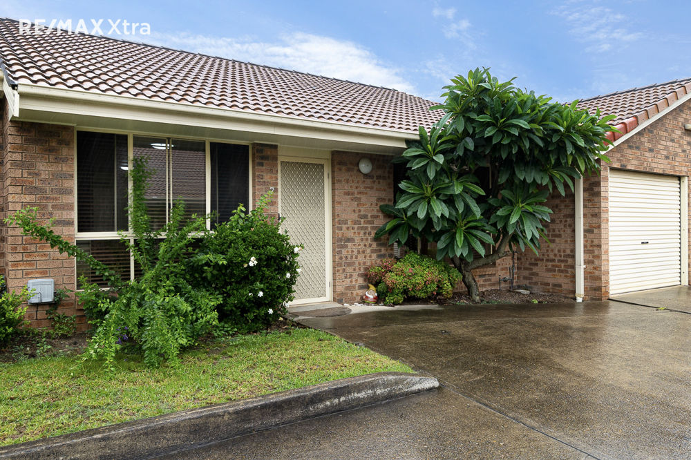 HIGHLY SOUGHT AFTER SINGLE LEVEL VILLA