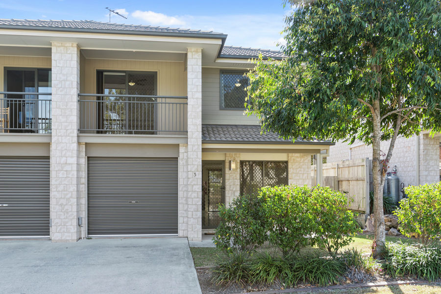 Property in Sunnybank Hills - Offers Above $409,000