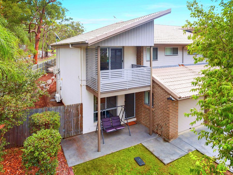 Property in Eight Mile Plains - Offers Over $389,000