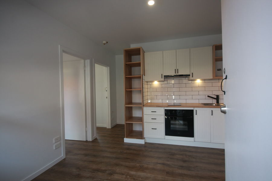 COMPLETELY RENOVATED UNIT WITH AIR CONDITIONING