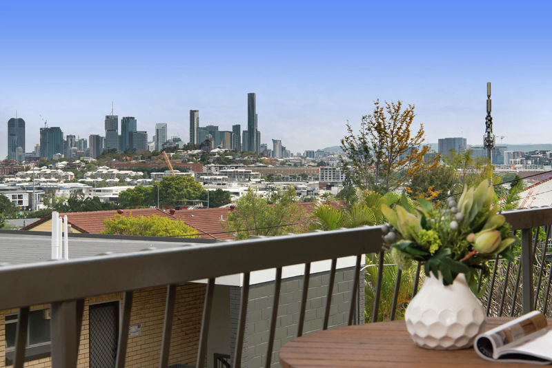 Property in Bulimba - BY NEGOTIATION