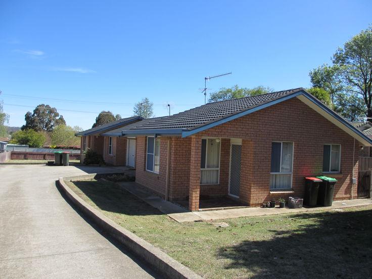 2/10 Northey Drive, Armidale, NSW 2350