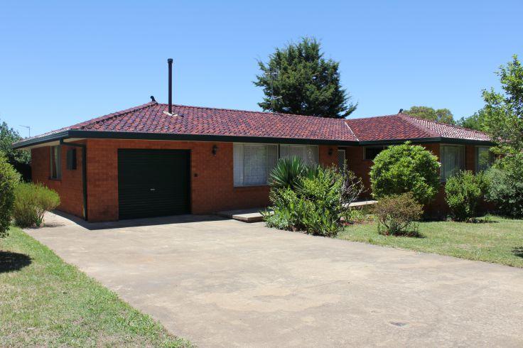 Property in Armidale - $350.00 Per Week