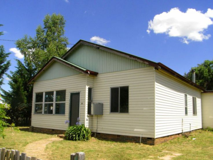 30 O'Donnell Avenue, Guyra, NSW 2365