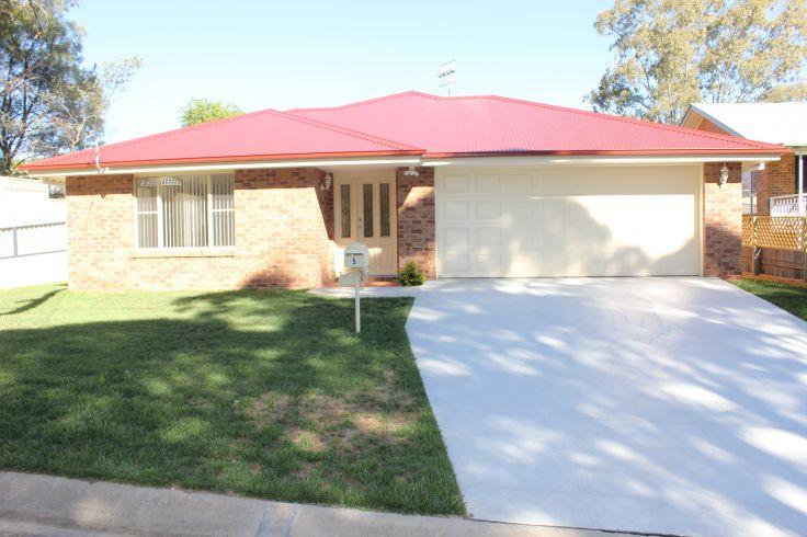Property in Armidale - $425.00 Per Week