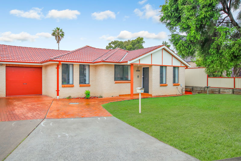 RENOVATED HOUSE AT A CONVENIENT LOCATION!