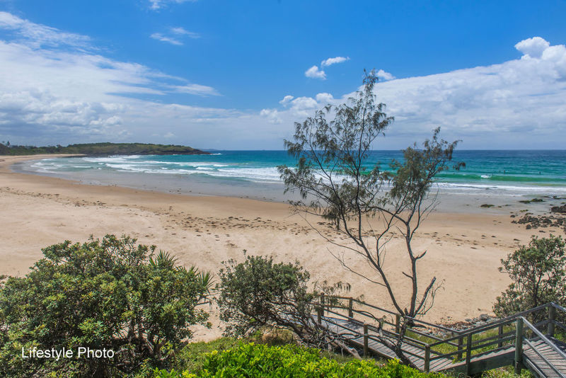 Real Estate in Arrawarra Headland