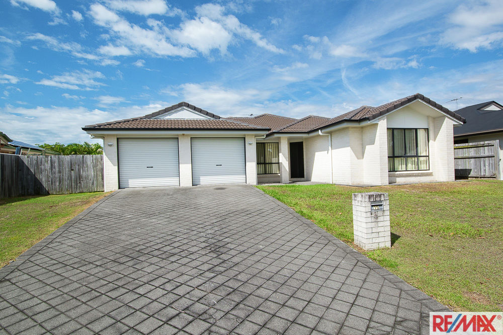 15 Reeders Street, Sandstone Point, QLD 4511