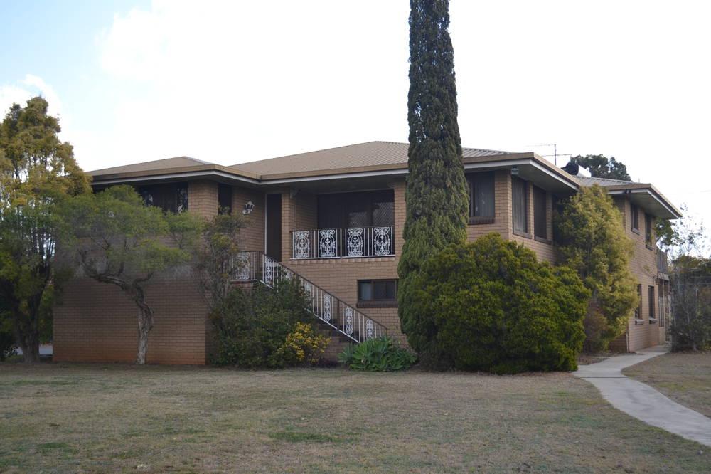 17 Briggs Street, Pittsworth, QLD 4356