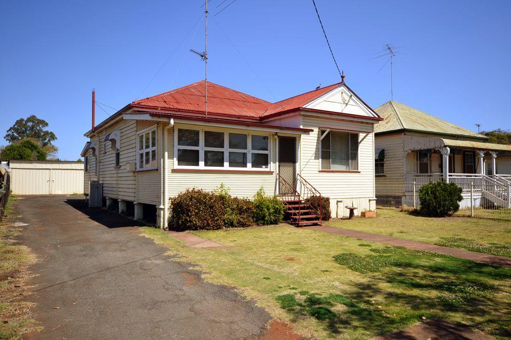 244 Bridge Street, Newtown, QLD 4350