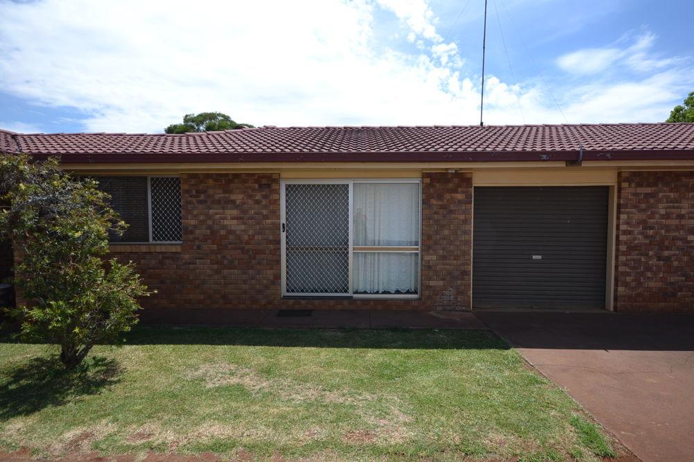 Unit 1/86 Boshammer Street, Rangeville, QLD 4350