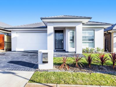 Property in The Ponds - Sold for $955,000