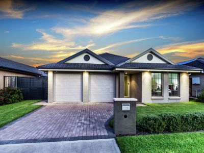 Property in The Ponds - Sold for $915,000